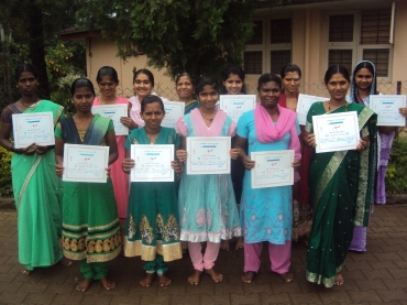tailoring-students-with-their-certificate